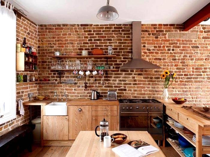 Дизайн с кирпичной стеной помогает создать атмосферу старинной кофейни у себя дома