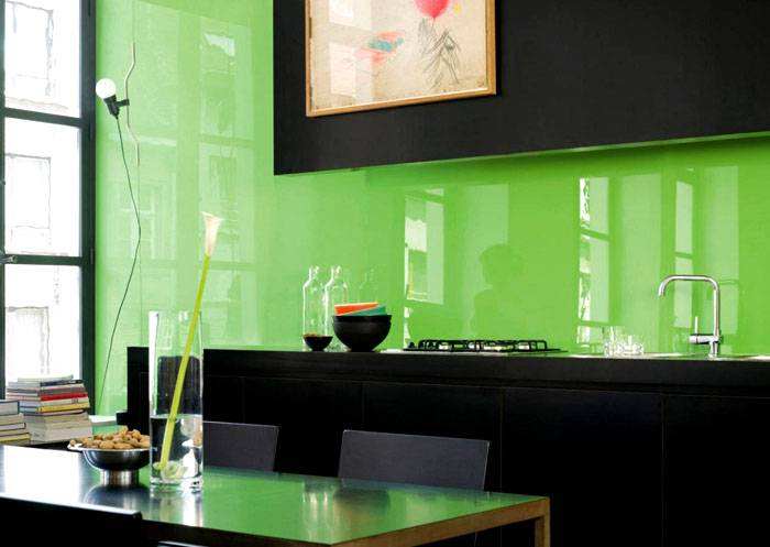 Если кухня, то именно стекло