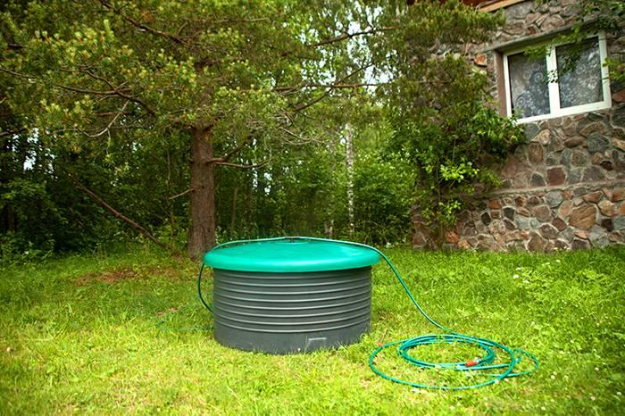 Конструкция для питьевой воды оснащается специальной крышкой