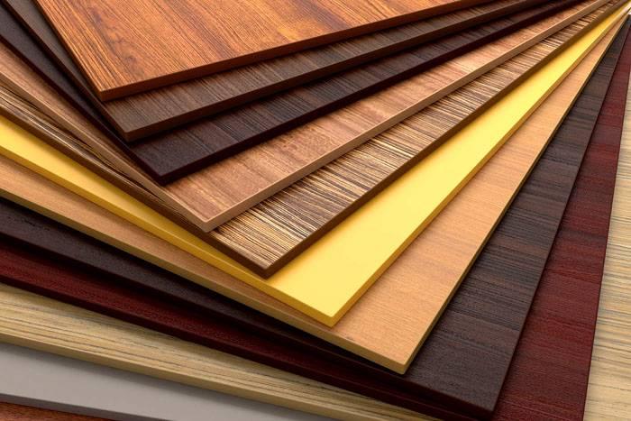 Материал очень прочен и пригоден для изготовления изделий от книжной полочки до громоздких шкафов