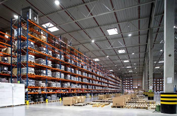 Современный склад промышленного предприятия