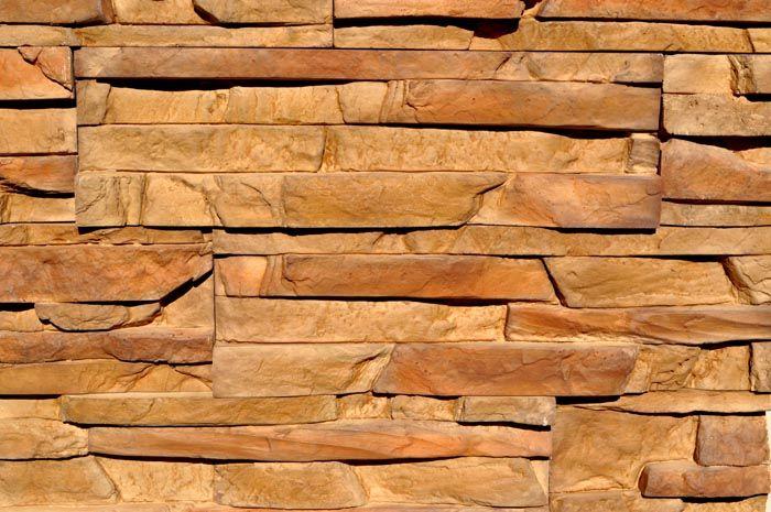 Даже структура искусственного материала очень похожа на натуральную скалу