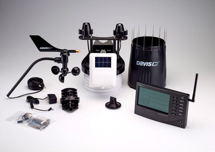 В комплектации метеостанций профессионального уровня есть много разных измерительных средств