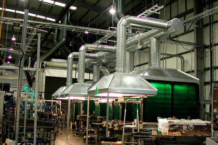 С применением таких инженерных сооружений создают здоровые условия в отдельных рабочих зонах