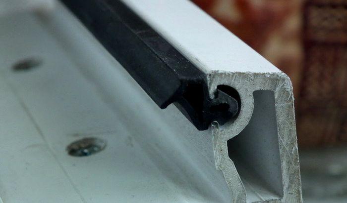 При монтаже важно обеспечить плотное прилегание материала