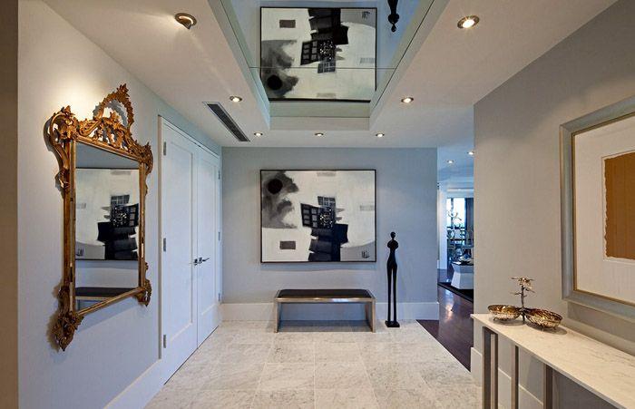 Зеркальные панели в оформлении потолка