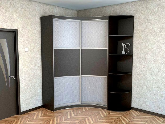 При достаточной площади устанавливают такой угловой шкаф