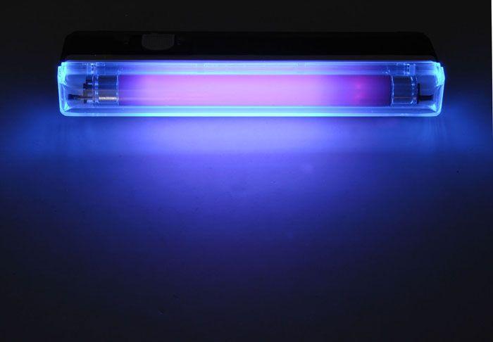 Подвесное устройство применяется для обеззараживания помещений