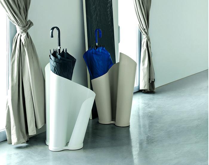 Красивая подставка для зонтиков может стать стильным элементом дизайна