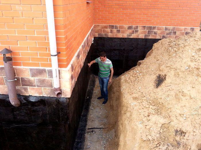 Качественная гидроизоляция защитит подвал от сырости