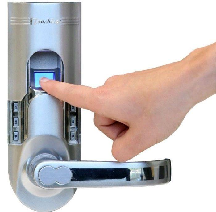 Современные модели оснащают идентификаторами отпечатков пальцев, иными системами доступа