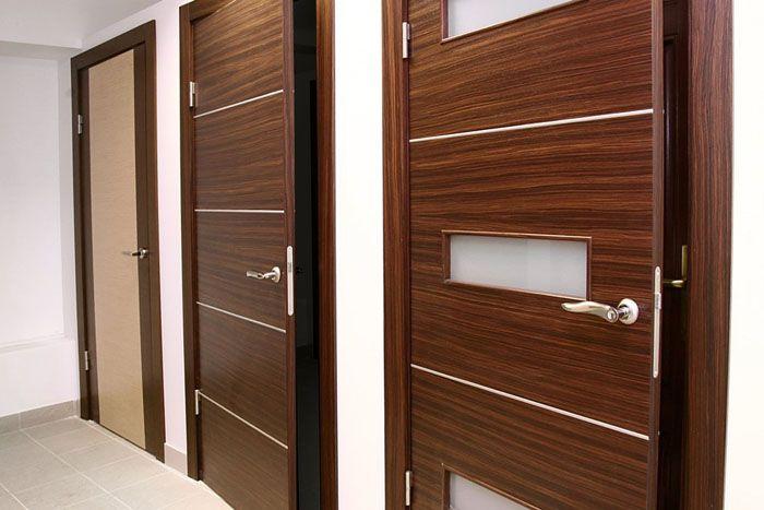 Допустимо применение разных комбинаций материалов, дополнительных вставок, функциональных и декоративных элементов