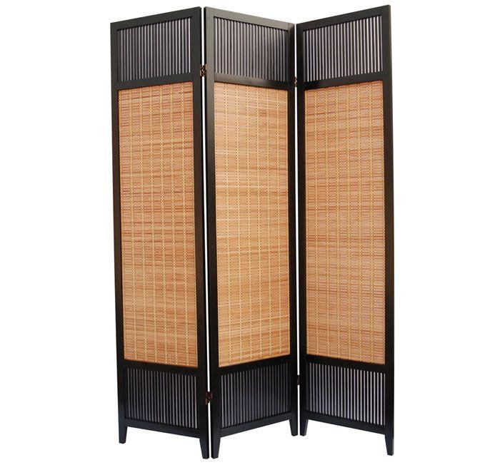Ширма-перегородка в японском стиле, изготовленная из древесины и соломенных скатертей