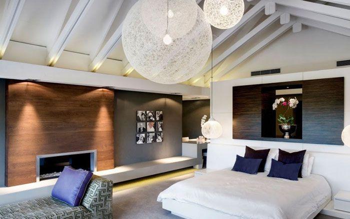 Современное стильное решение мансардного этажа