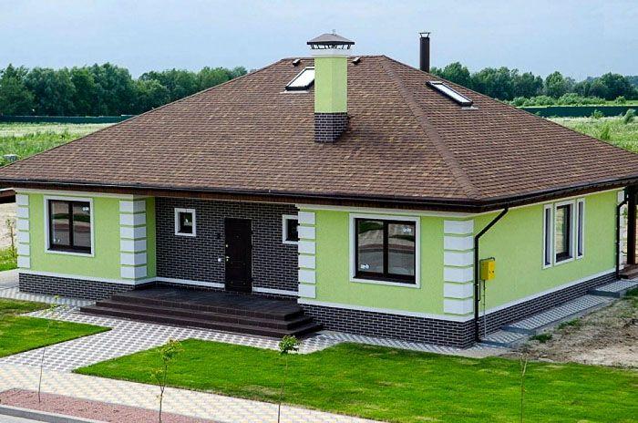 Декоративную штукатурку можно применять для отделки деревянных, кирпичных и каркасных домов
