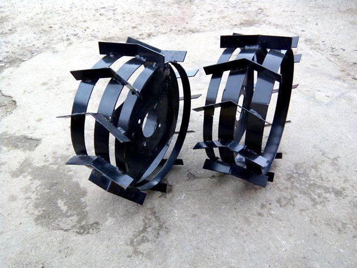 Изогнутые пластины не соприкасаются с корпусом агрегата и представляют опасности