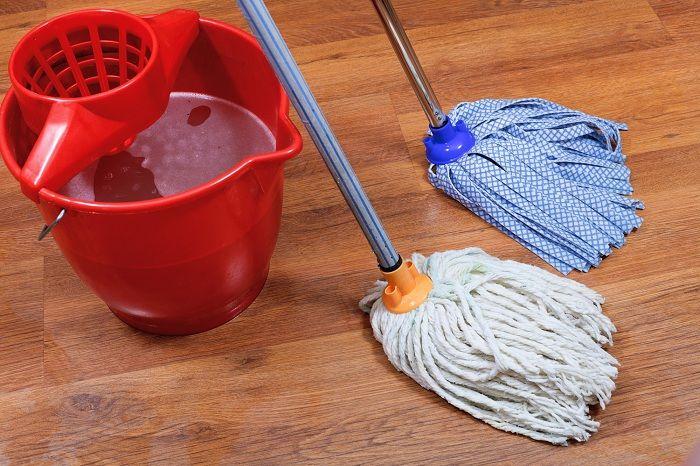 Линолеум выдержит даже «палубную» уборку