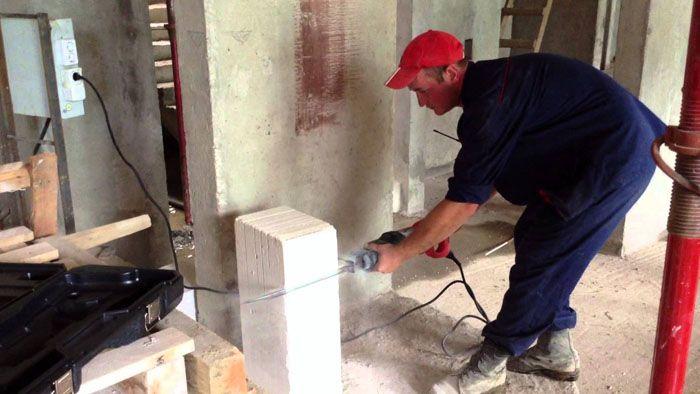 Разрезать сабельной пилой толстый блок из газобетона – это пара минут времени