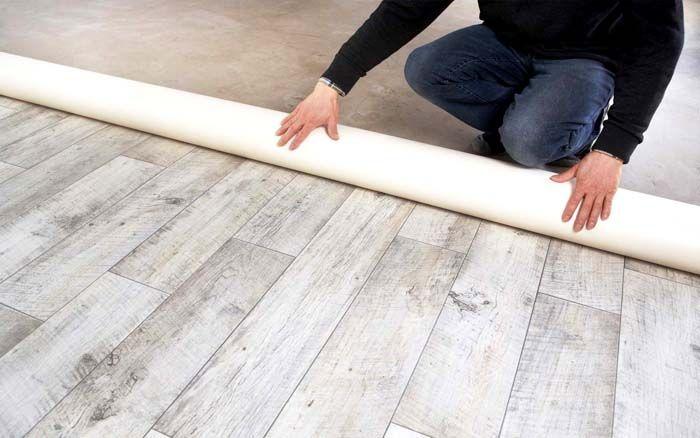 Долговечный и износоустойчивый коммерческий линолеум можно использовать и в жилых помещениях