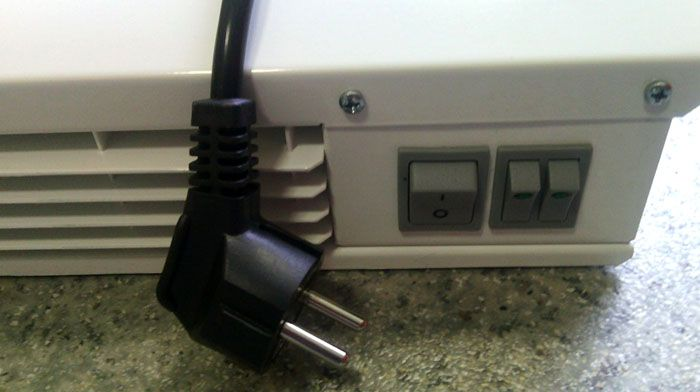 Кнопки управления электрической тепловой завесы бытового назначения