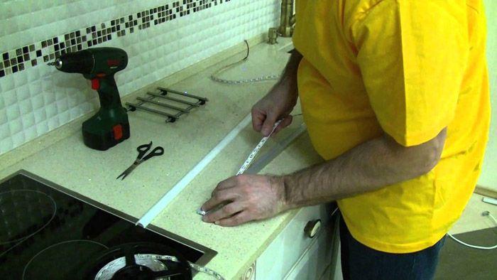 Для самостоятельного изготовления профиля достаточно начальных навыков работы с ручным инструментом