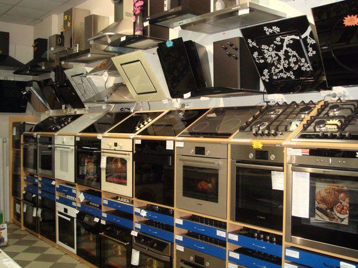 В торговых сетях бытовой техники всегда есть достойный выбор моделей духовых шкафов