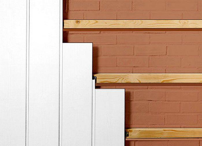 Закрепление панелей на деревянном каркасе