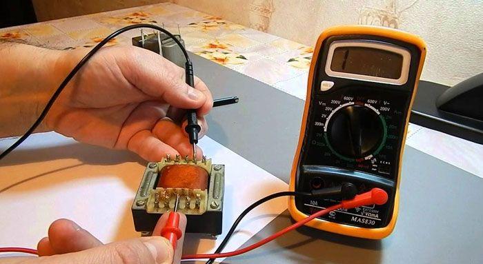 Использование мультиметра для проверки работоспособности трансформатора напряжения
