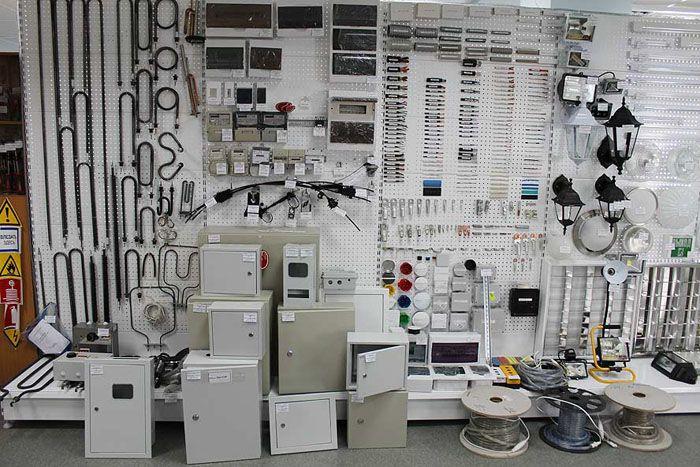 В отделах светотехнических и электротехнических изделий всегда есть в продаже понижающие трансформаторы различных марок и конструкций