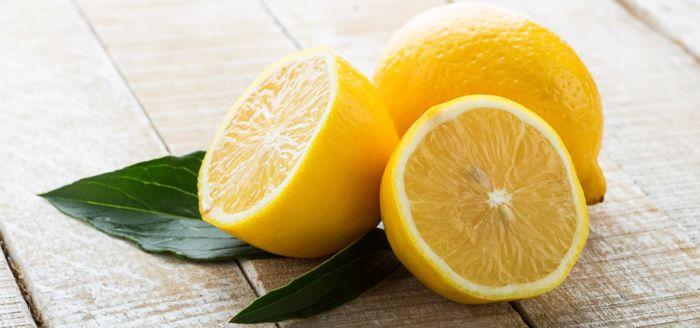 Лимон – это кладезь витаминов, обладающий полезными свойствами, которые можно использовать для технических целей