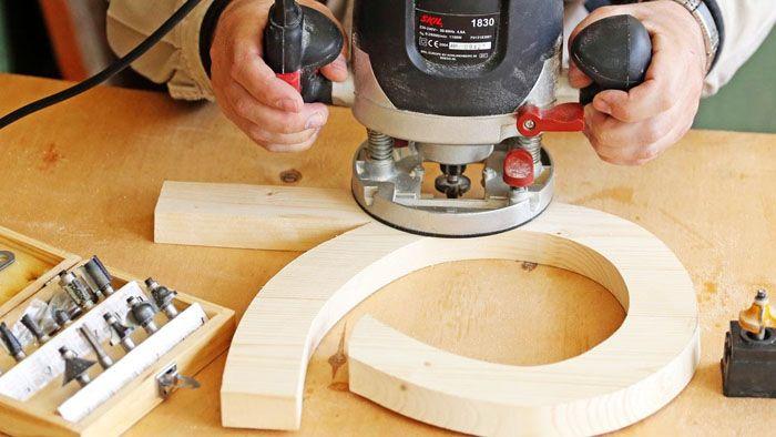 При помощи ручного фрезера можно изготовить деревянные заготовки любой формы и конфигурации