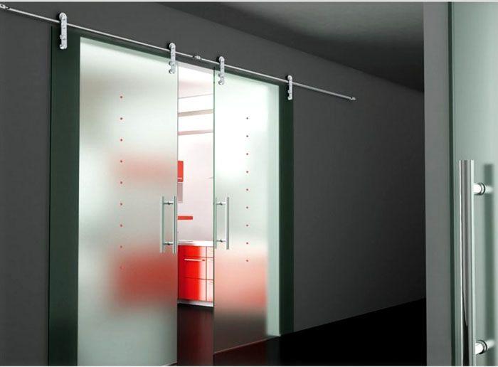 Раздвижные конструкции не мешают свободному перемещению внутри комнат и в коридорах