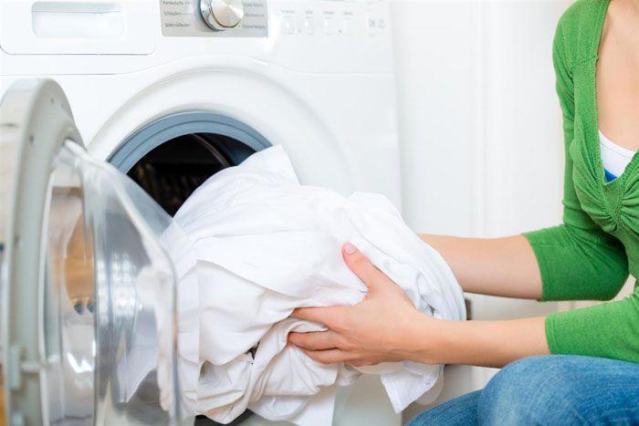 Сделать тюль белым в стиральной машине можно в деликатном режиме