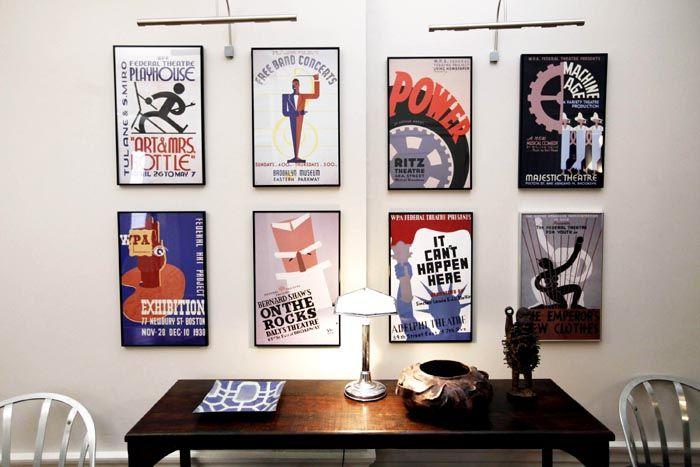 Постер может нести любую информацию, состоять из разных сюжетных линий, символизировать какое-то событие или доносить определённую информацию