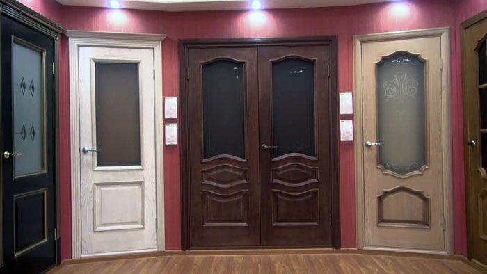 Коллекция распашных дверей «Браво» с полупрозрачными вставками