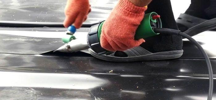 Для пайки прямых швов применяют специализированное оборудование и приспособления либо обычный утюг, разогретый до нужной температуры