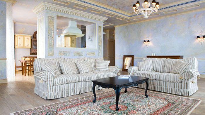 Мебель на таком фоне поистине благородна и солидна