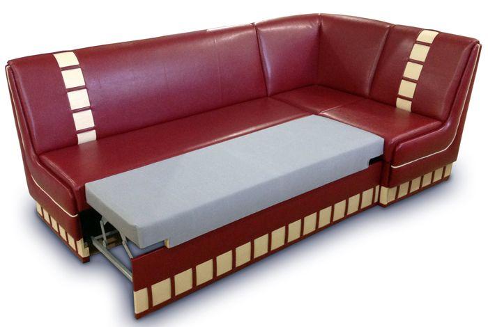 Уголок на кухне со спальным местом – это всегда очень удобно. Всё зависит от его размера