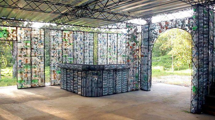 При этом в таком павильоне всегда будет светло, ведь пластик прозрачный