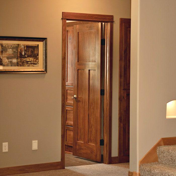 Такие двери для ванной и туалета хорошо соответствуют эстетике классических интерьеров