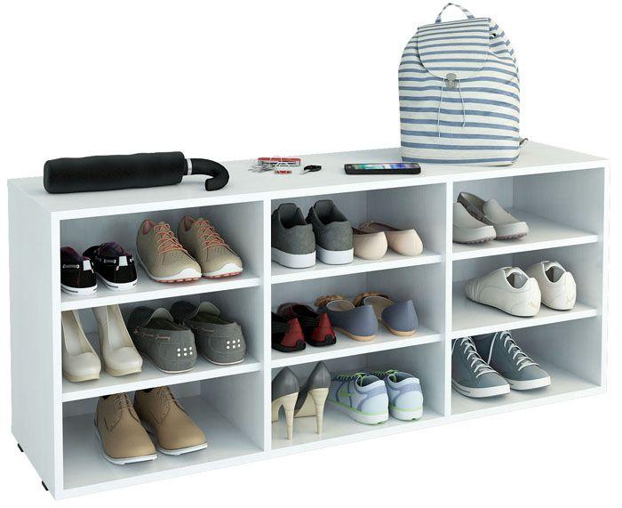 Такой предмет мебели не занимает много места, и, действительно, обуви открыт доступ воздуха — от хранения на таких полках не появится неприятный запах