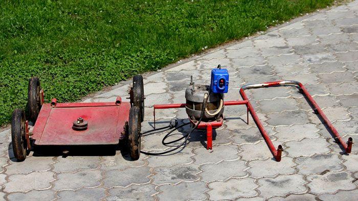 Платформа может быть выполнена из металла или ОСБ плиты, фанеры и даже корпуса той же стиральной машины