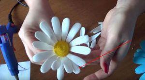 Screenshot_7-7-300x165 Цветы из фоамирана своими руками: лучшие мастер-классы