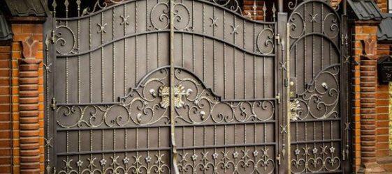Кованые ворота: фото