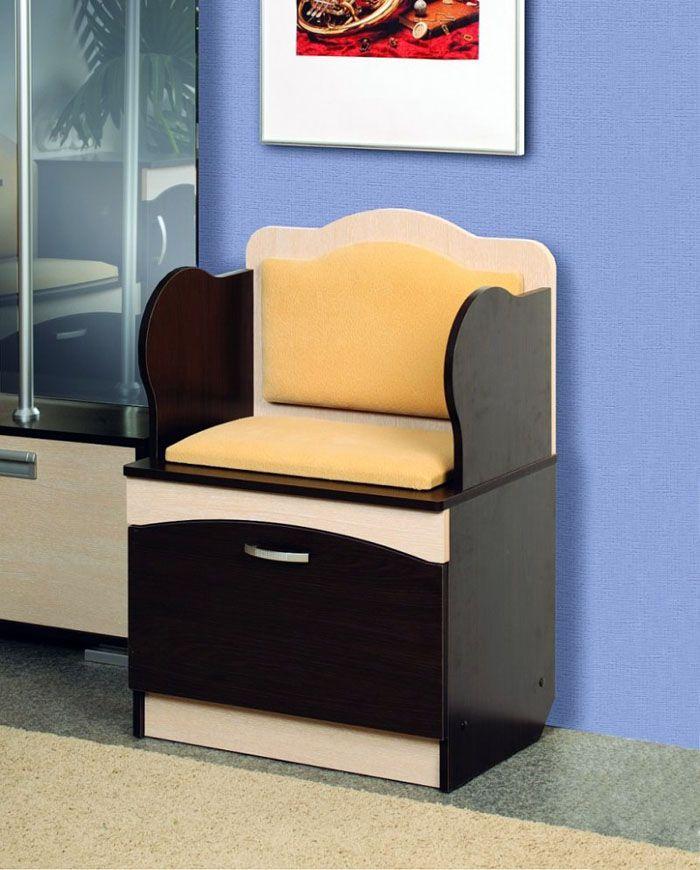 Одноместное сиденье и вместительные ящики — и в помещении остаётся много места