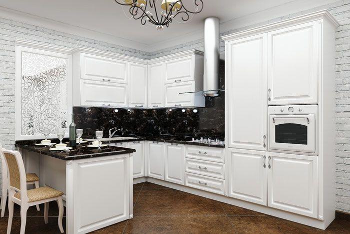 Фото белого кухонного гарнитура с чёрной столешницей и фартуком в интерьере демонстрирует эффектное сочетание контрастных цветов