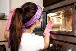 Как очистить духовку от нагара и жира в домашних условиях
