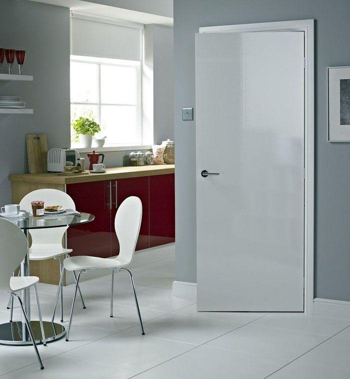 белые межкомнатные двери в интерьере классика элитного