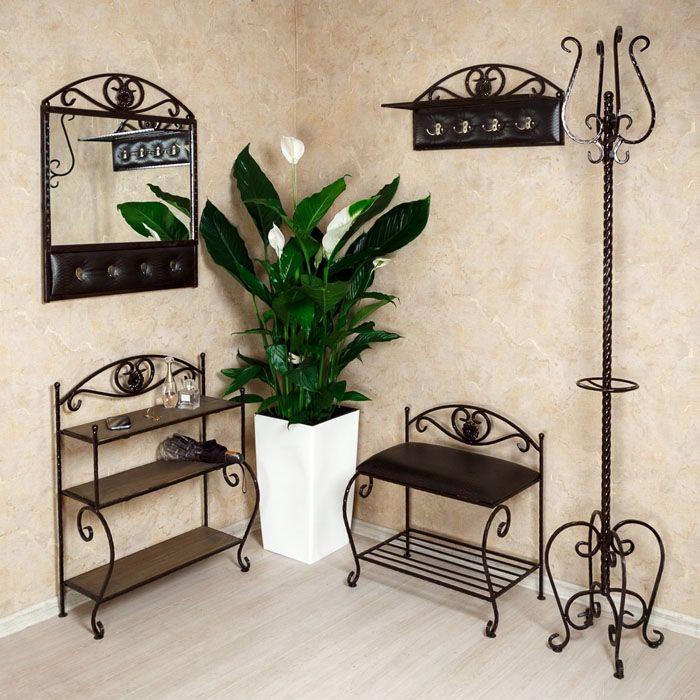 Целый кованый ансамбль: когда вся мебель в едином стиле, это смотрится замечательно