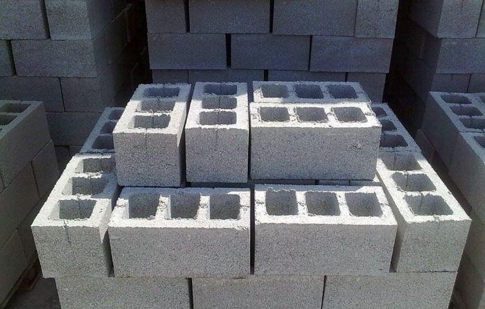 Такие блоки используют для внутренних перегородок и несущих стен